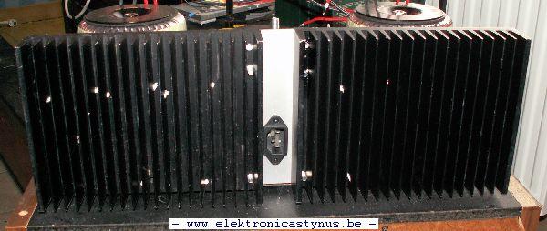 http://www.elektronicastynus.be/Projecten/Voeding70V5A/Foto_s/Koelplaat/Koelplaten_16_07_08_001.jpg