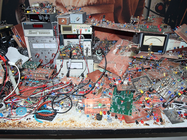 http://www.siliconvalleygarage.com/circuitsonline/jimwilliams/thumbs/jscan5.png