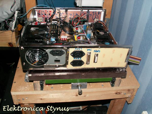 http://www.elektronicastynus.be/Projecten/CNC/pic/elektro/kast/32.jpg