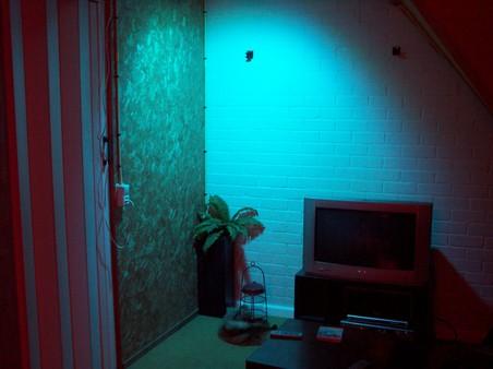 http://www.xs4all.nl/~loosen/elektronica/led%20light/led_light_t-5.jpg