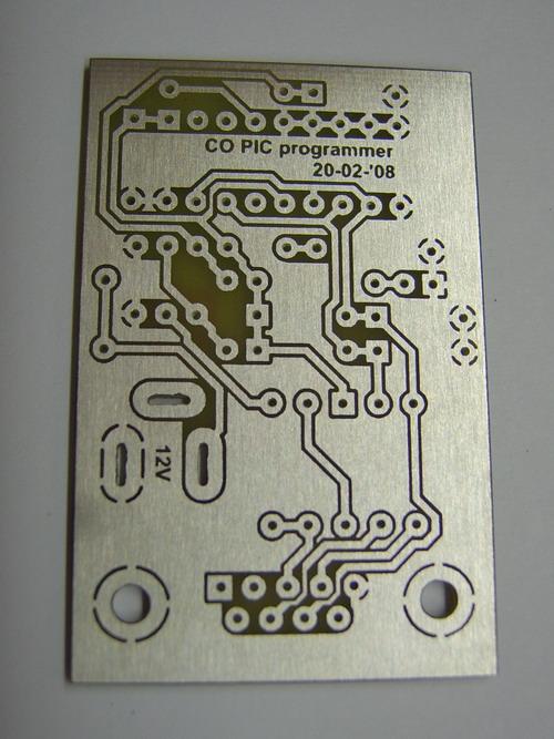 http://www.kleinisfijn.nl/co/pic_programmer/pcb.jpg