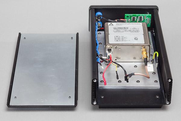 http://www.miedema.dyndns.org/co/2019/rb/clock/IMG_4949--Temex-Rubidium-in-kast---mechanisch-met-bodemplaat-600pix.jpg